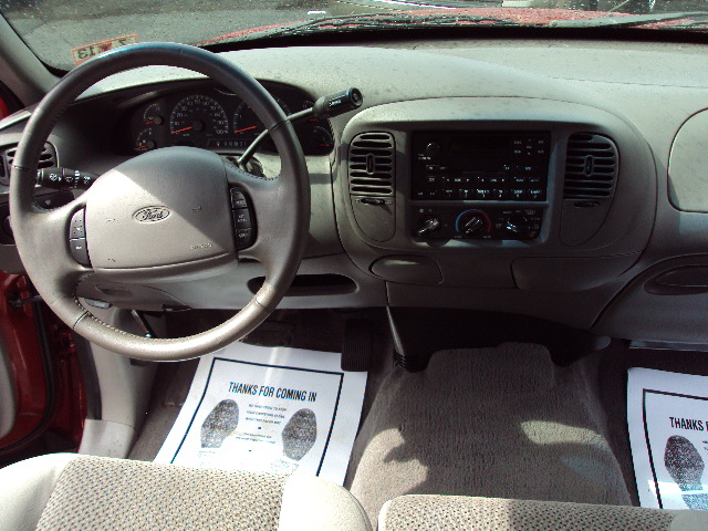 2002 FORD F150 2WD