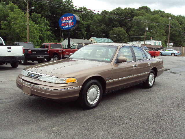 1993 FORD CROWN VIC