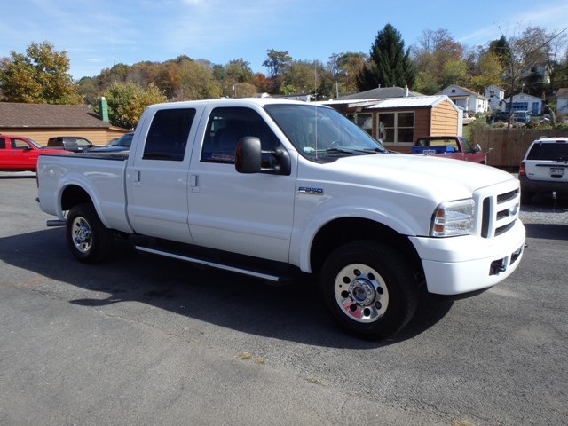 2005 FORD F250 CREW CAB WHITE