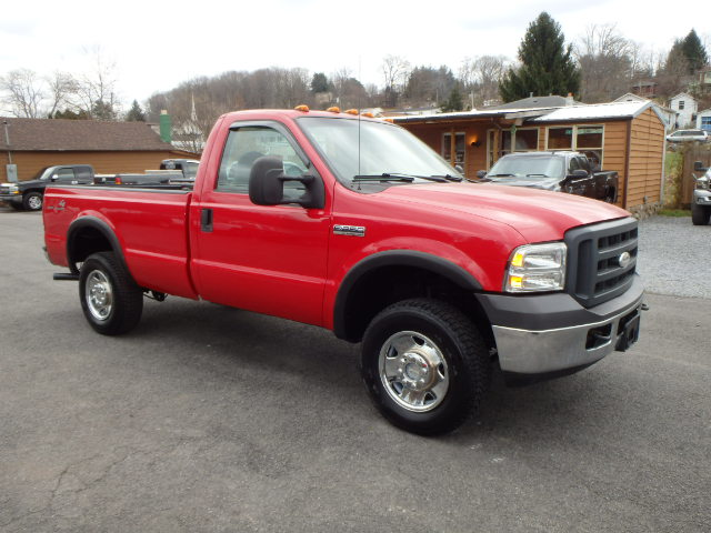2005 FORD F250 RED