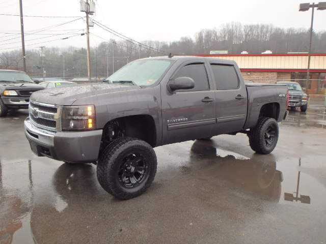 2011 CHEVY SILVERADO 1500 LIFTED