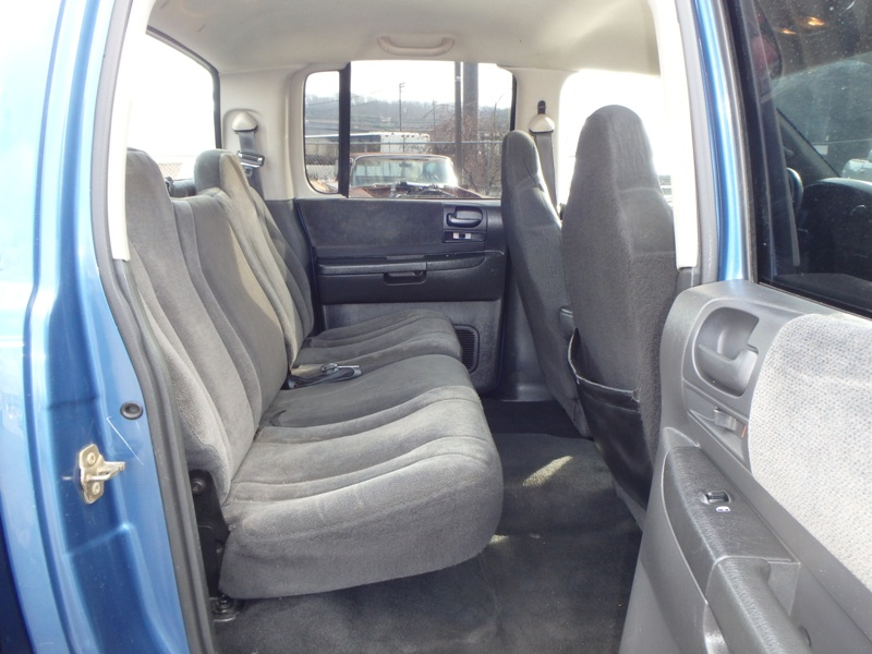 2004 DODGE DAKOTA BLUE