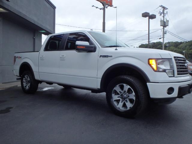 2011 FORD F150 WHITE