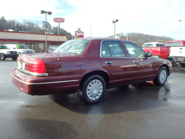 2005 FORD CROWN VIC