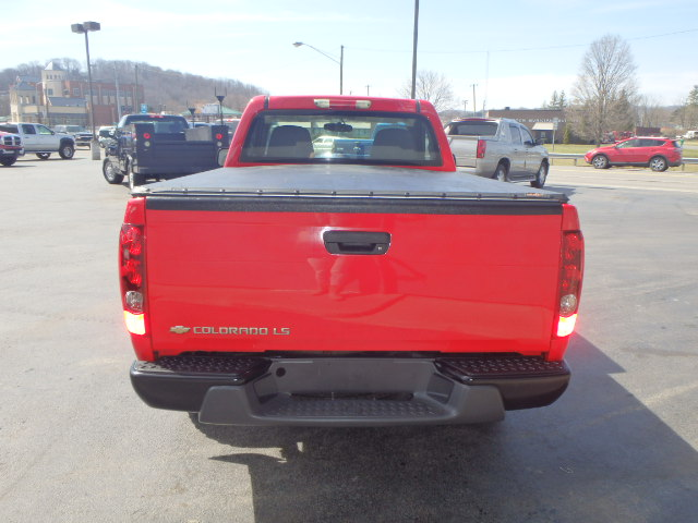 2004 CHEVY  COLORADO RED