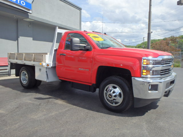 2015 CHEVY  SILVERADO 3500 RED