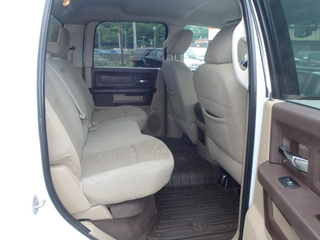 2011 DODGE  RAM 2500 WHITE