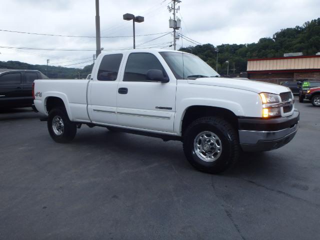 2003 CHEVY SILVERADO 2500 WHITE
